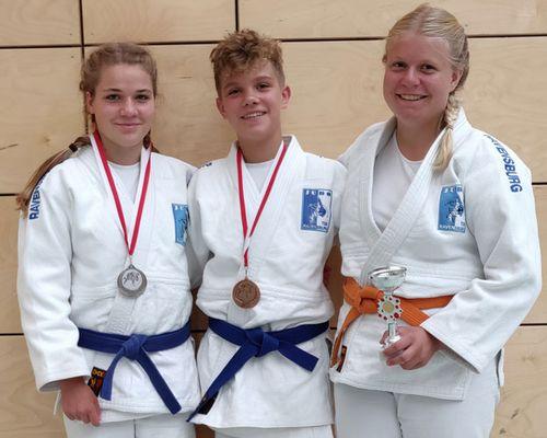 Anna Hanser gewinnt, Weiler und Petrovic Zweite